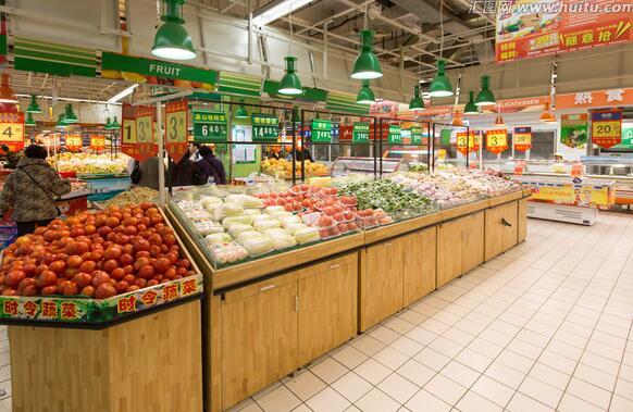 发现超市售卖过期食品怎么办 男子为泄愤利用过期商品敲诈入狱