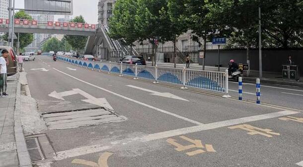 重庆街头现当街杀妻案 凶手不逃跑现场诉说被戴绿帽子