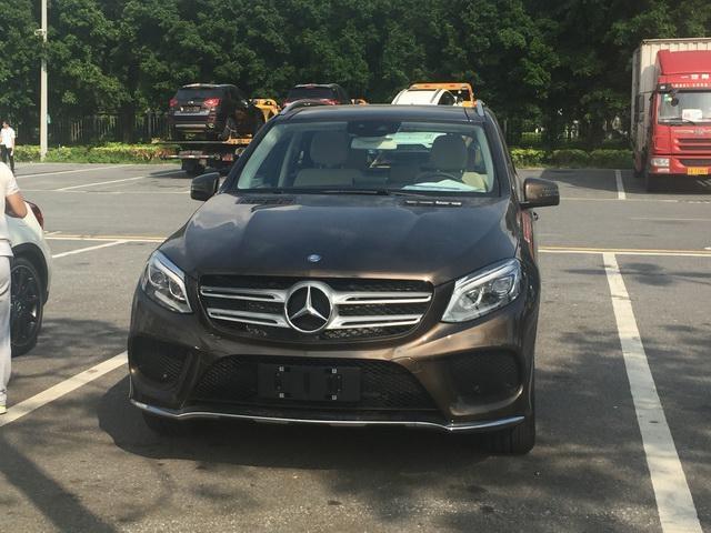 郑州奔驰车被换三无中缸配件 车主找律师起诉维权