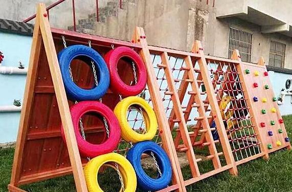 孩子在幼儿园受伤谁担责 5岁女童从攀爬架摔下致十级伤残